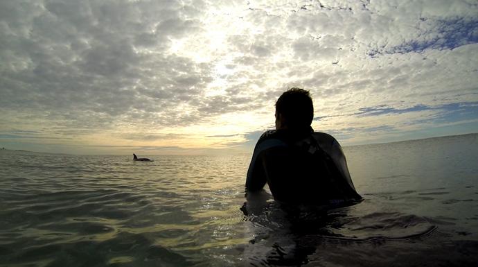 Sendiri di laut